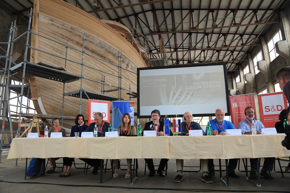 Tonino Picula - Konferencija u Betini (Foto H. Pavic) (2)