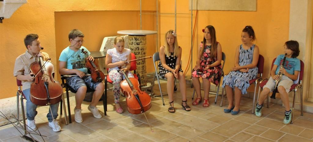 Učenici Glazbene škole Vjekoslava Kaleba Tisno (Foto: Rudinapress/Sanja Henjak)