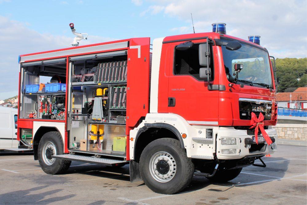 Novo vatrogasno vozilo DVD-a Tisno (Foto: Rudinapress/S. Henjak)
