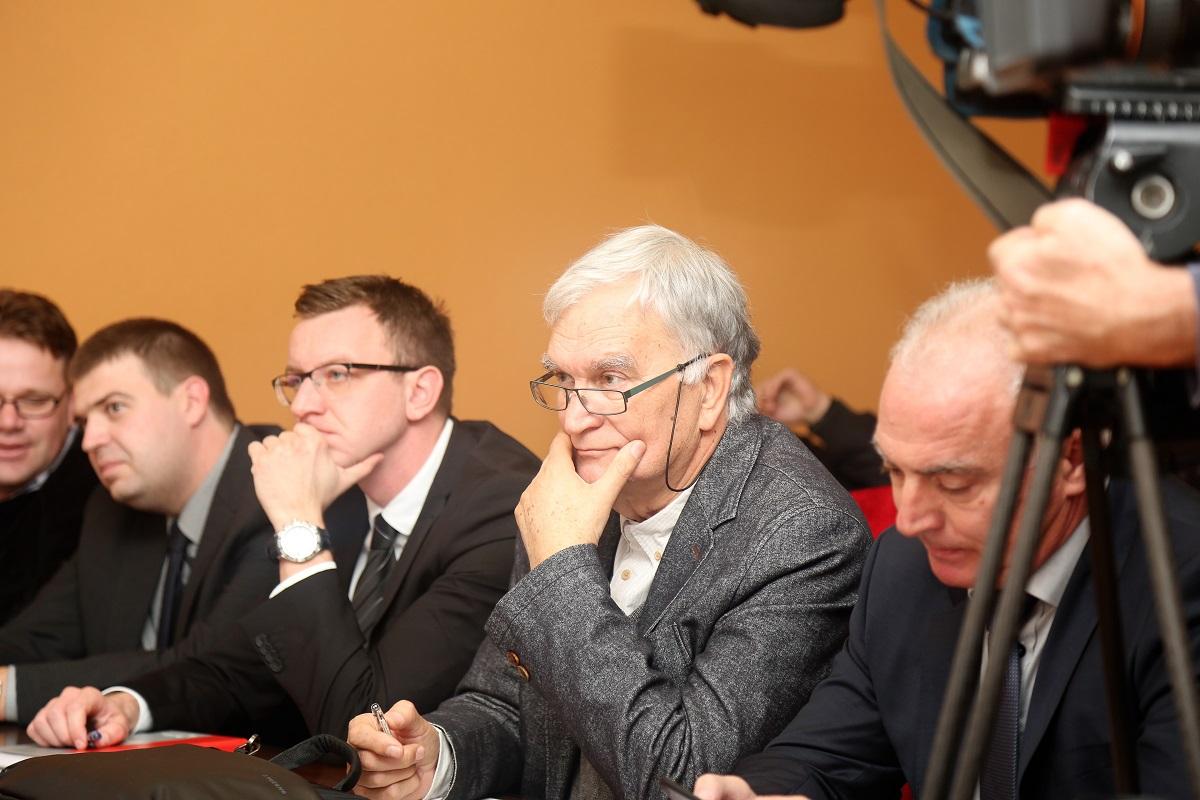 Arhitekt Nikola Bašić - sjedio je u publici zajedno sa županom Goranom Paukom i predstavnicima Agencije za investicije i konkurentnost (Foto: Rudinapress/H. Pavić)